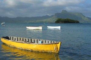 Otok vulkanskega izvora vabi vse leto.