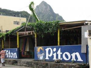 Eden izmed najbolj znanih vrhov – Veliki Piton