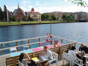 Ob reki vabijo privlačne restavracije – Halmstad.