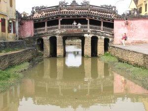 Hoi An prepredajo vodni kanali