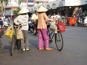 Značilne klobuke lahko vidite tudi v mestih