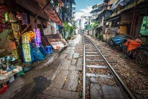 Aktivna železnica prečka tržnico