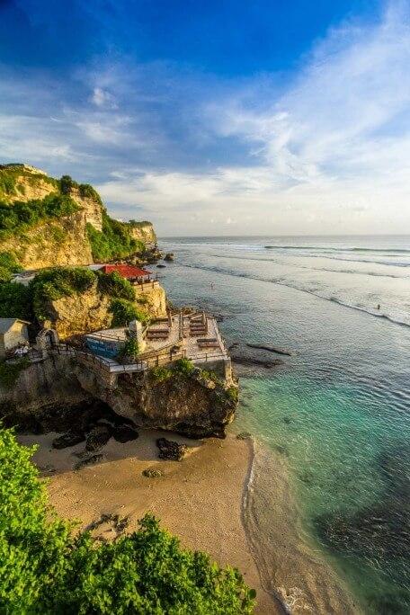 Uluwatu Beach, Bali. (foto: Alamy)