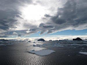Navigacija med ledom na Antarktiki (Gonzalo Javier Bertolotto Quintana, Čile)