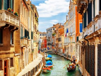 This-Italian-Town-Wants-to-Pay-You-Thousands-of-Dollars-to-Move-There_403253374_Efired-760x506