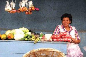Na tržnicah prevladujejo ženske.