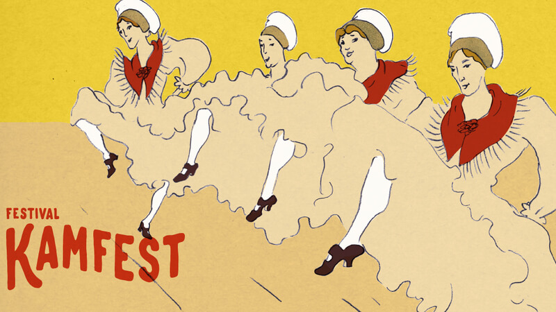 Kamfest vsako leto veliko pozornost nameni grafični podobi, pri kateri sodelujejo z lokalnimi ustvarjalci. Letos je za to poskrbela Katarina Goltez. In zakaj narodne noše plešejo kankan? Zato ker je narodna noša del Kamnika, prav tako pa tudi festival, ki širi meje poznanega (vir: kamfest.org)