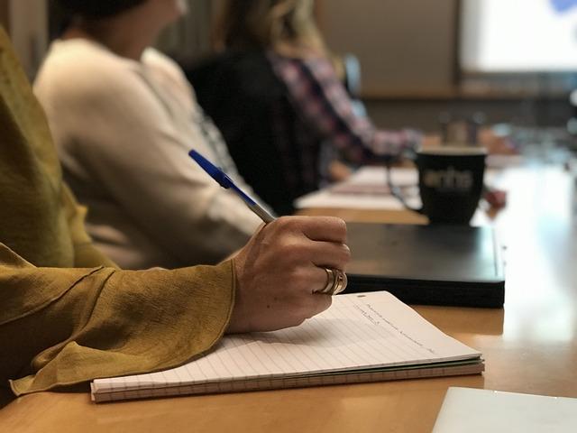 Pridobivanje temeljnih in poklicnih kompetenc od 2018 do 2022