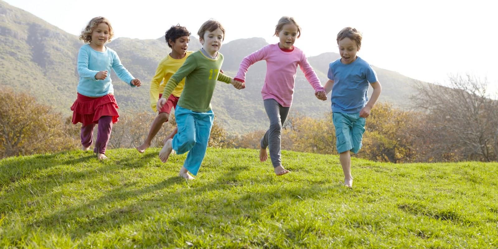 Otroci bi morali biti zunaj od 4 do 6 ur vsak dan!