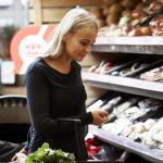 Danski supermarket, ki prodaja zavrženo hrano, prava uspešnica