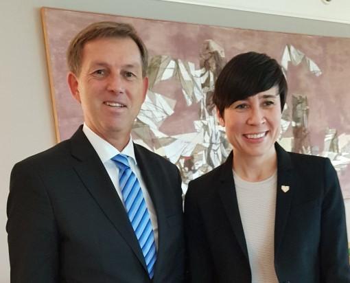 Slovenija in Norveška za krepitev sodelovanja na področju krožnega gospodarstva, trajnostne mobilnosti in umetne inteligence