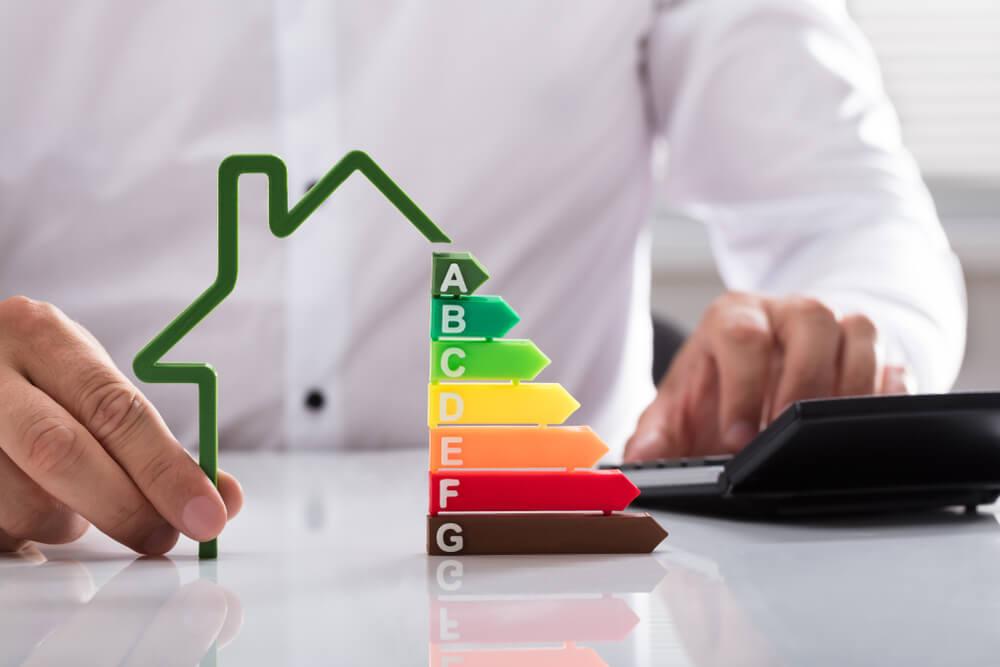 Energetska prenova: MzI zbira predloge za prenovo stavb javnega sektorja