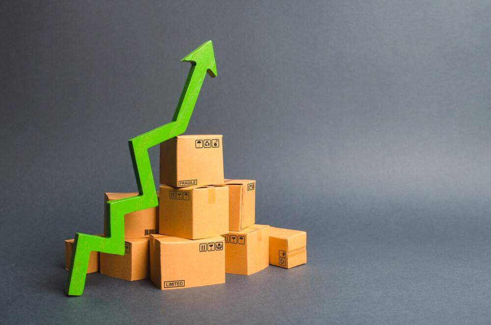 Lanski BDP višji od predlanskega za 2,4 odstotka