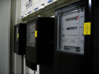 Plin in elektrika cenejša za gospodinjstva, dražja za ostale