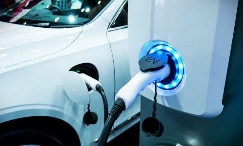 Eko sklad znižal subvencije za e-vozila