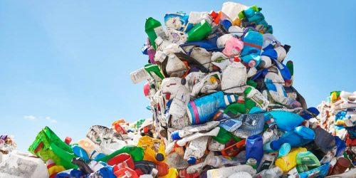Zgodba o plastiki ob prihajajočem svetovnem dnevu okolja