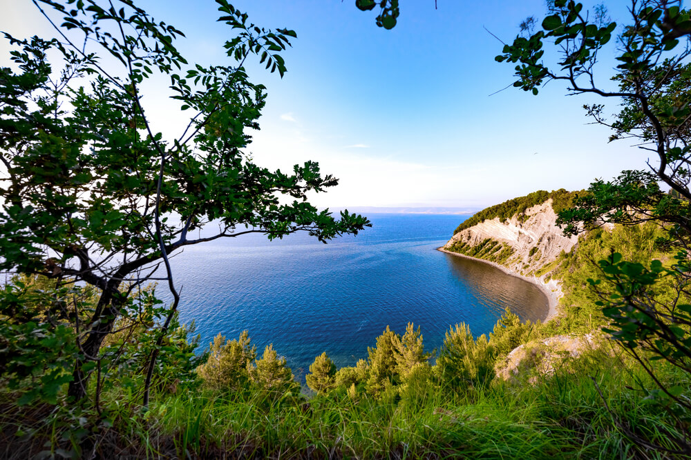 Bi posvojili košček slovenske obale?