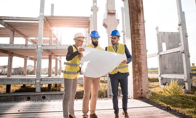 V maju ponovno izdanih več gradbenih dovoljenj za stavbe