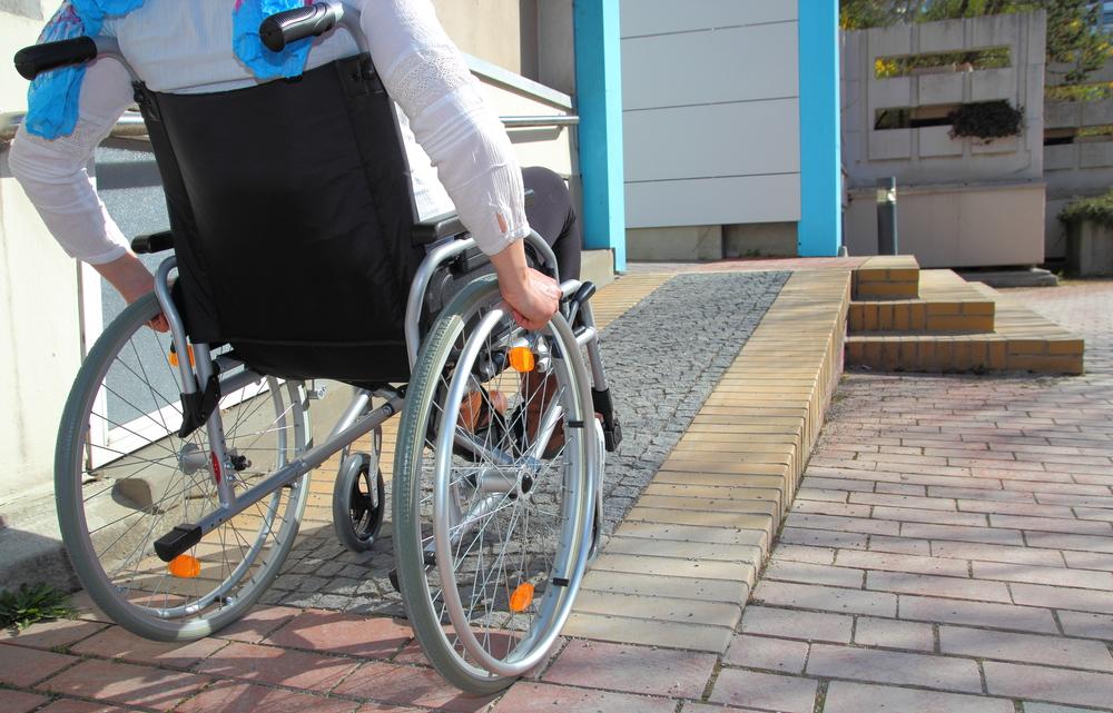Odprte prijave za nagrado za invalidom prijazno mesto