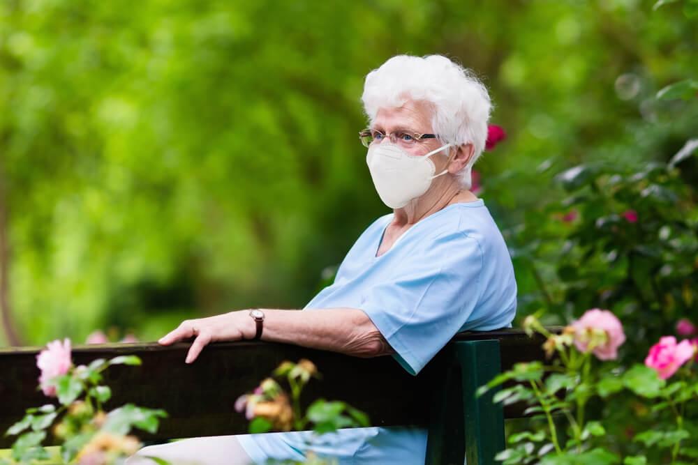 """Za starejše: """"Zahtevamo dober zakon o dolgotrajni oskrbi!"""""""