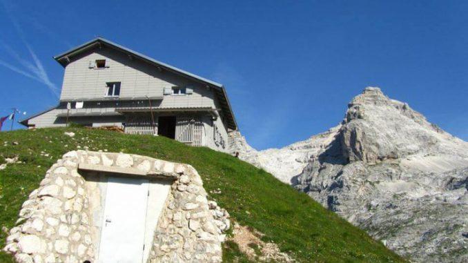 Na vrhove gora: Pogačnikov dom na Kriških podih