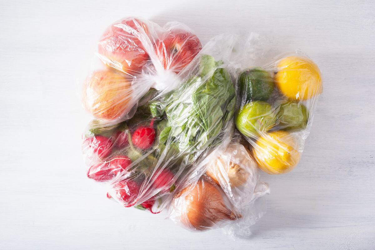 Slovenija odlaša s sprejemanjem ukrepov za zmanjšanje uporabe plastike za enkratno uporabo