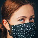 Video: Kako različne maske za obraz upočasnijo širjenje virusa?