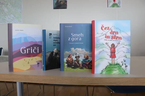 Poletno branje: knjige za vse hribovke in hribovce!