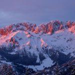 Kaj se dogaja? Sneg v italijanskih Alpah se je obarval roza!
