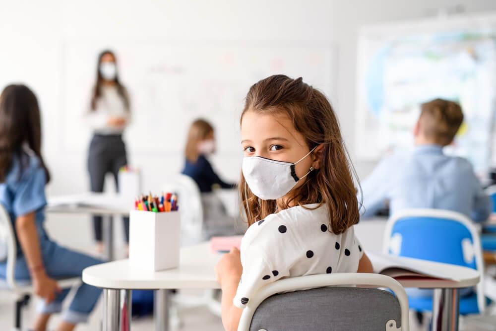 Šola in Covid-19: v Grčiji bodo maske za učence brezplačne