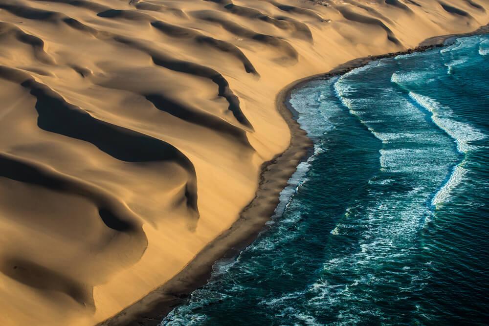 10 fotografij namibijske obale, ki vzamejo dih!