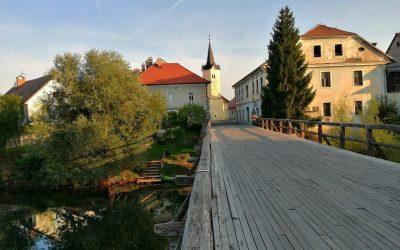 Kostanjevica na Krki: mesto z bogato zgodovino v objemu reke Krke