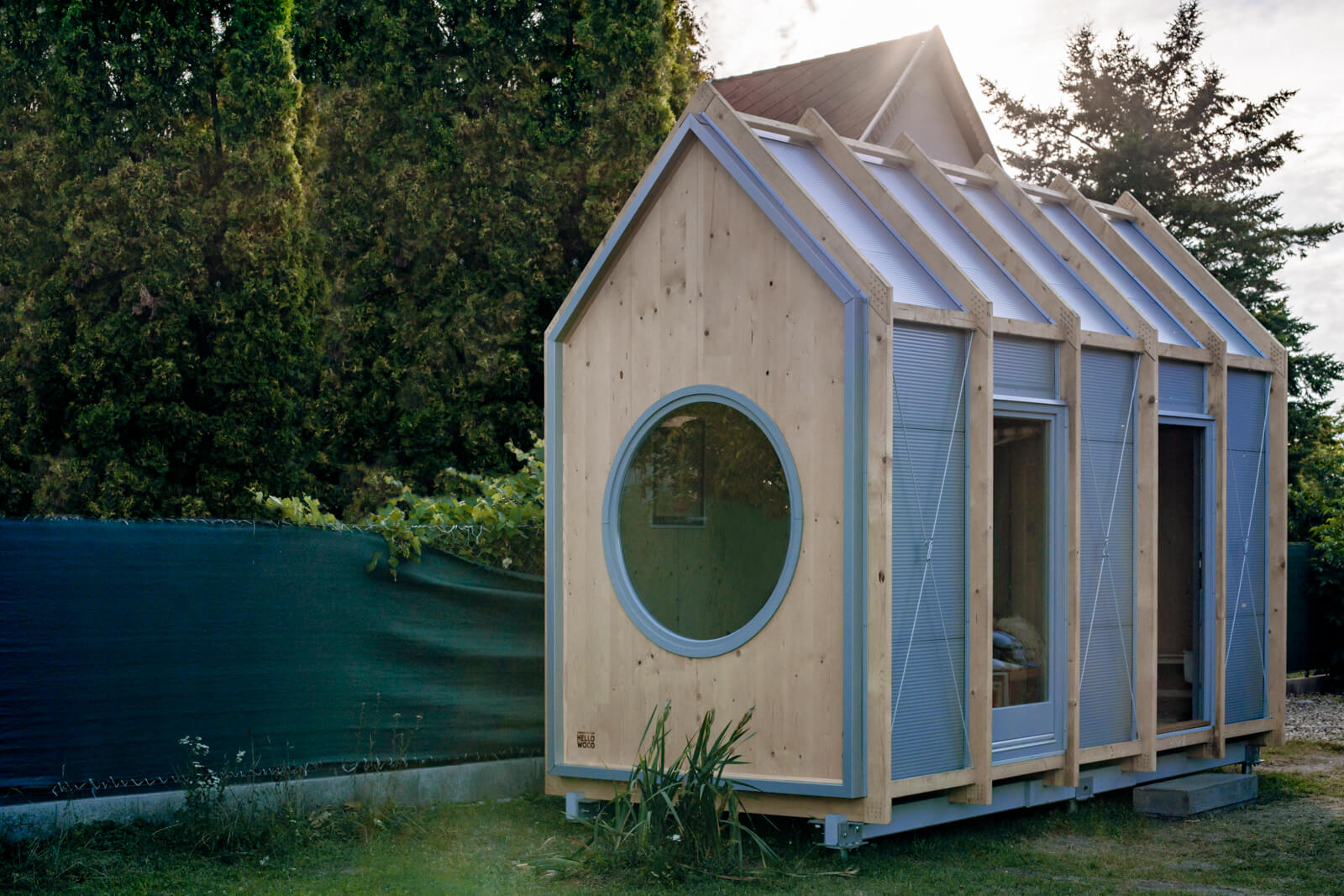 Mini hiška Kabinka – za vikend ali samoizolacijo