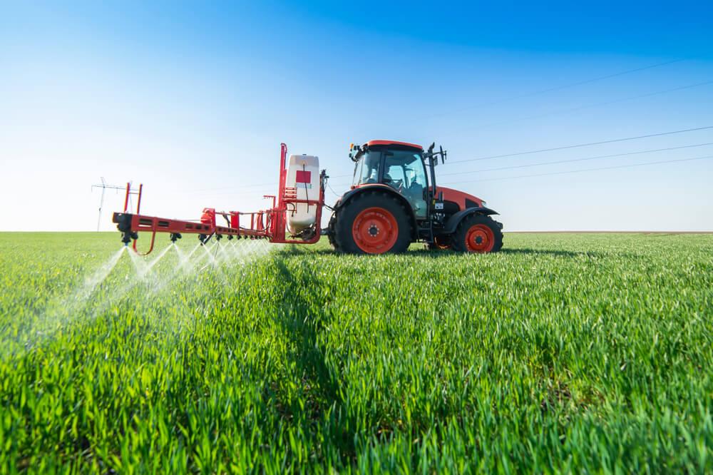 Lani v Sloveniji 1.000 ton aktivnih snovi v prodanih pesticidih