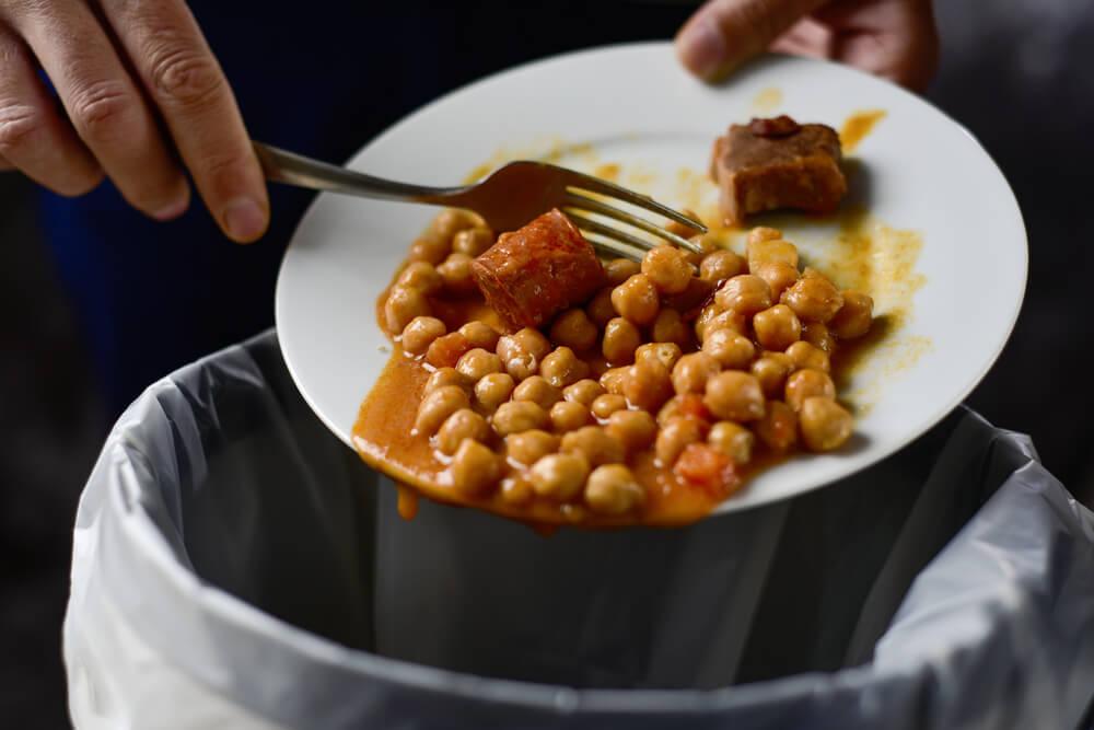 Sodelujte v anketi: Kako Slovenci ravnamo z viški hrane?