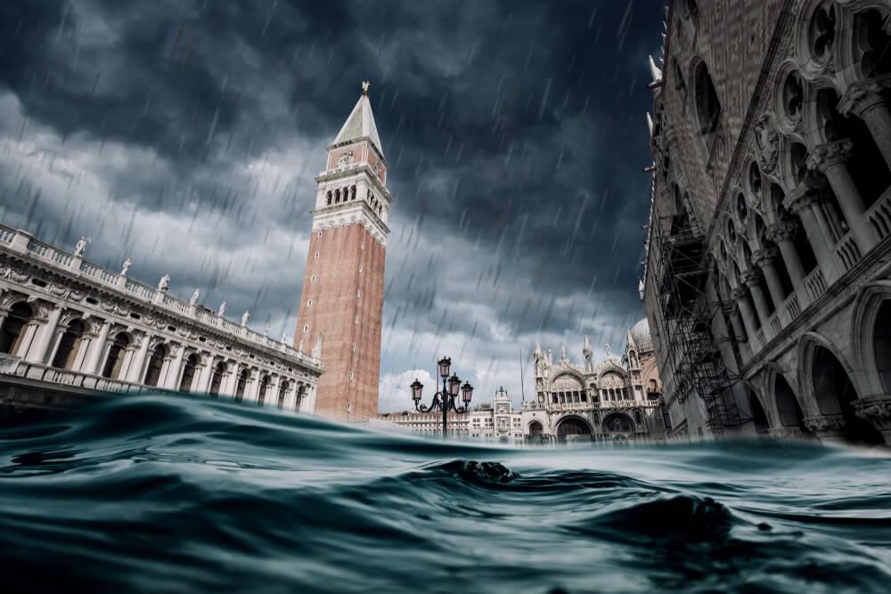 Mojzes zaščitil Benetke, kdo bo pomagal naši obali?