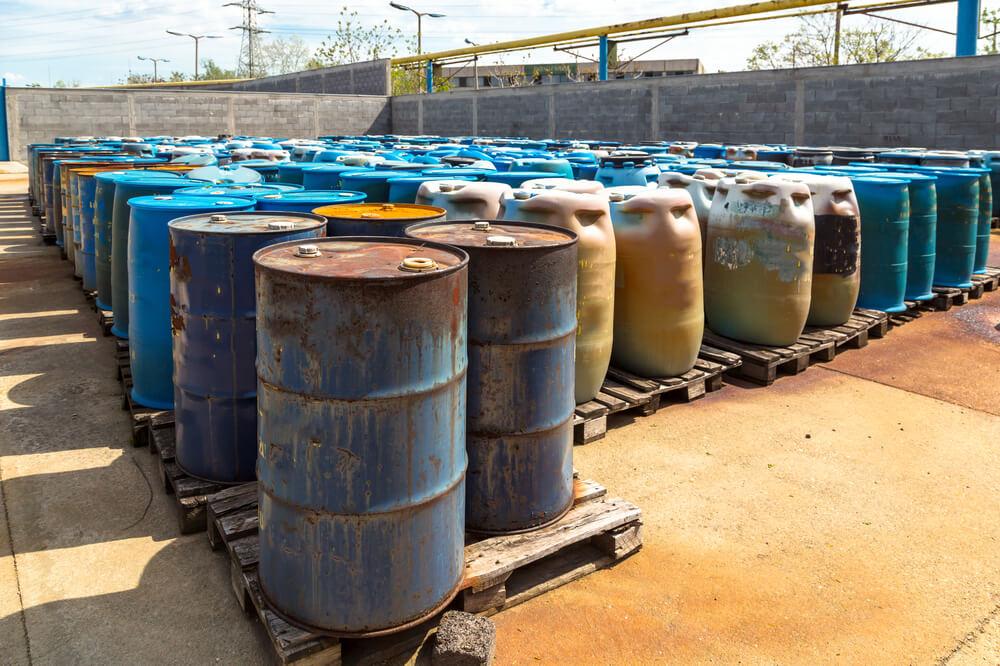 GZS opozarja na možnost neprimernega kopičenja nevarnih odpadkov