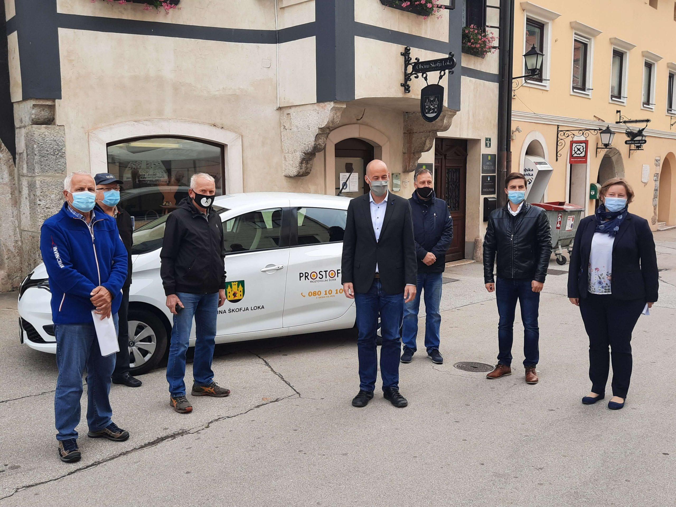 27 slovenskih občin z brezplačnim in okolju prijaznim prevozom za starejše