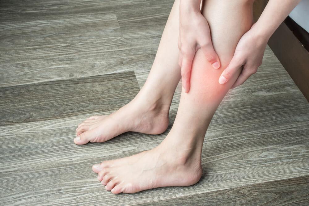 6 znakov, ki lahko kažejo na to, da se vam delajo krvni strdki
