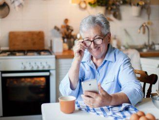 Aplikacija Magda - prva mobilna aplikacija za starejše v Sloveniji