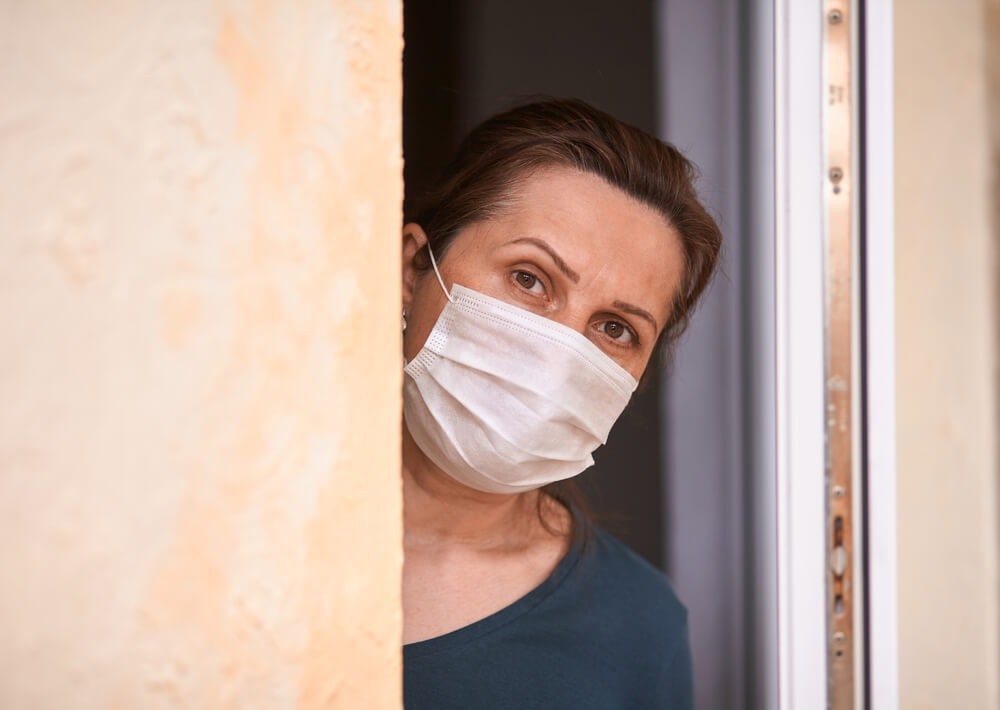 Dvomi, tesnoba in skrbi med epidemijo - pomagajmo si med seboj