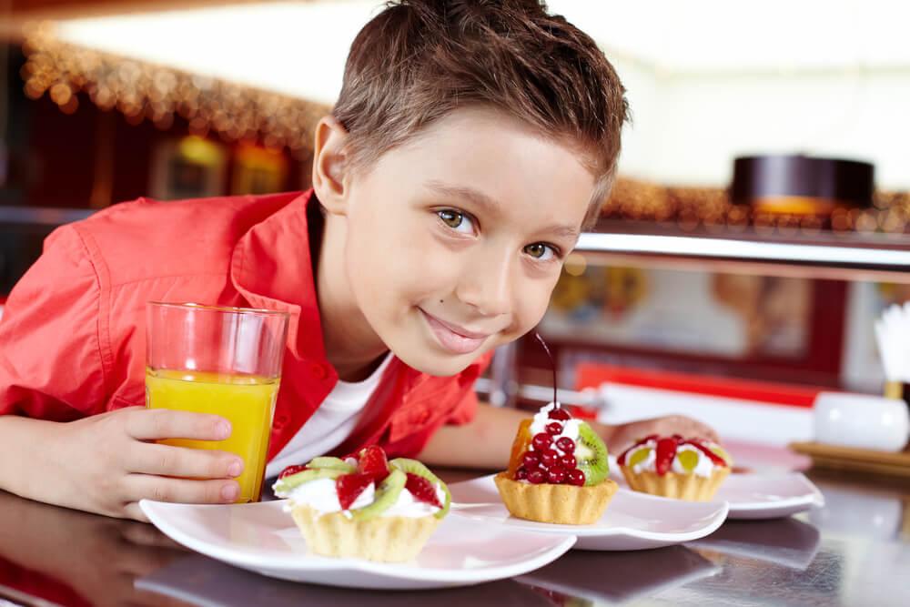Previsok vnos sladkorja - pri kar 87 % mladostnikih