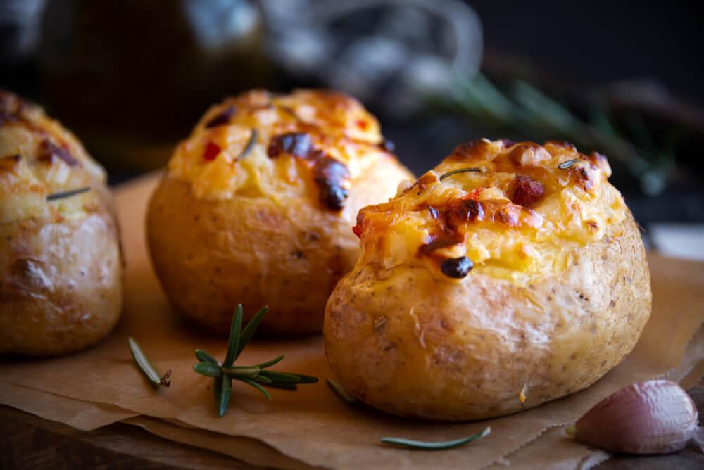 FOTO: 10 idej za polnjen pečen krompir