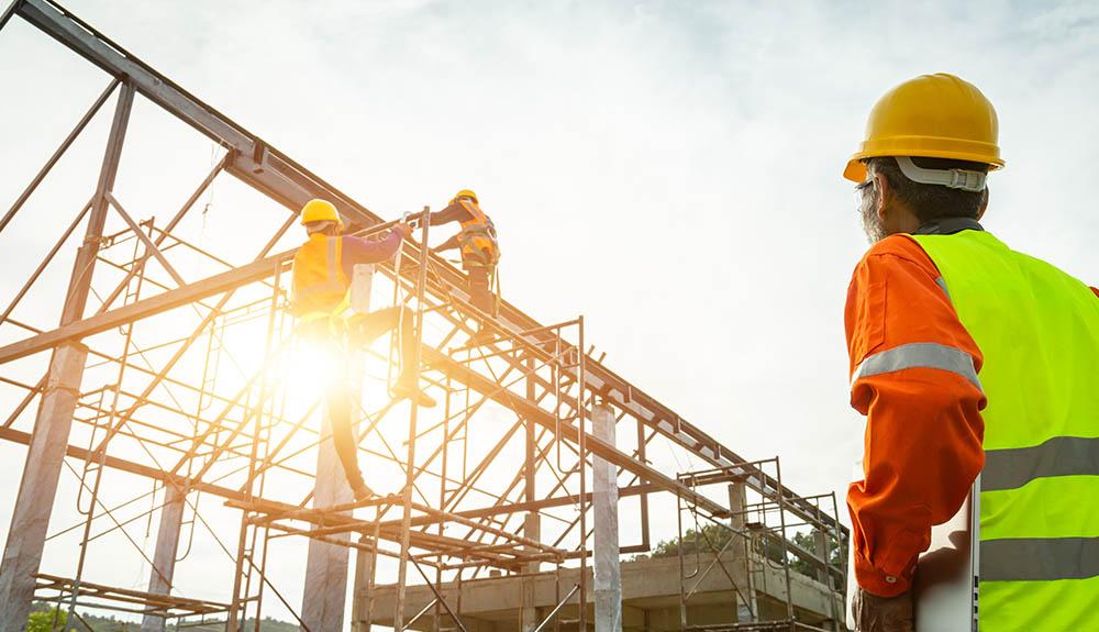 Decembra več kot novembra, na letni ravni pa za 6 % manj gradbenih dovoljenj