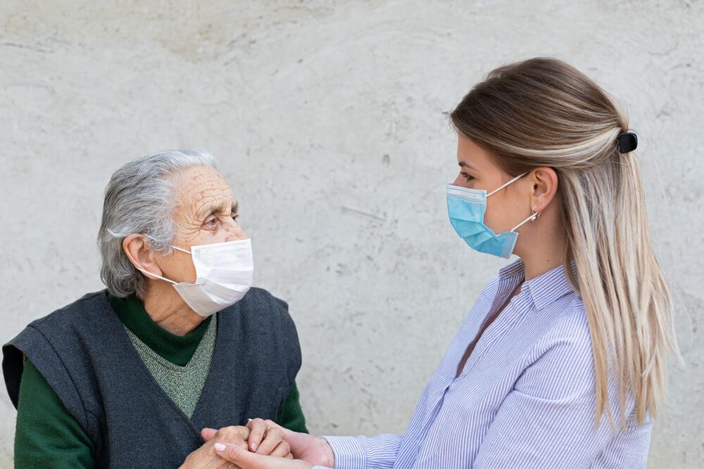Stanje oseb z demenco se je zaradi izolacije fizično in psihično poslabšalo