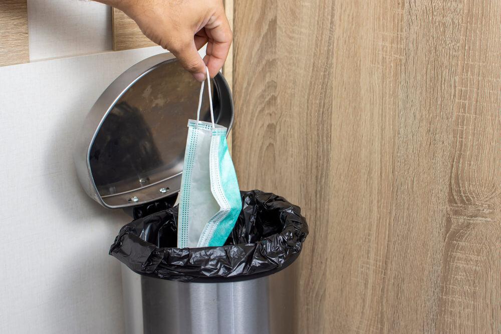 Kako ravnati z odpadki iz gospodinjstev v času epidemije?