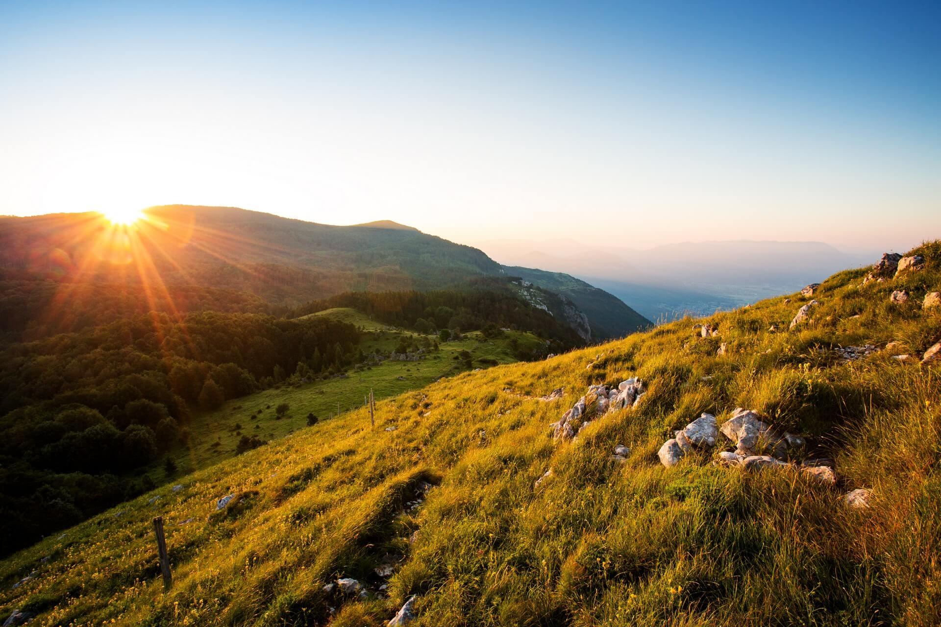 V primorske hribe: Čaven in Kucelj nad Vipavsko dolino