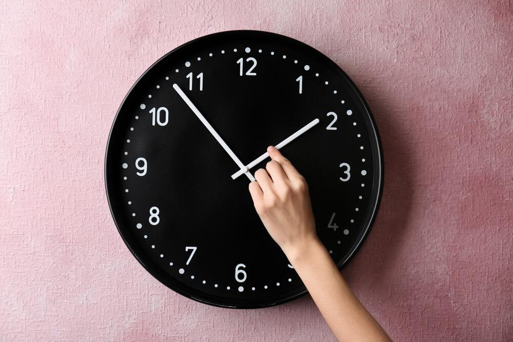 Premik ure ima negativne učinke na zdravje?