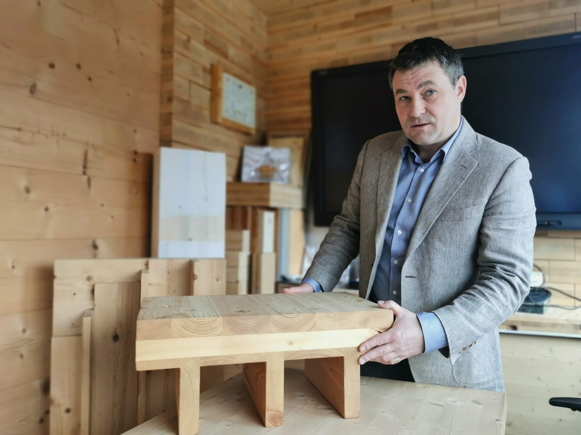 V svetu betona utira pot lesenim gradbenim konstrukcijam