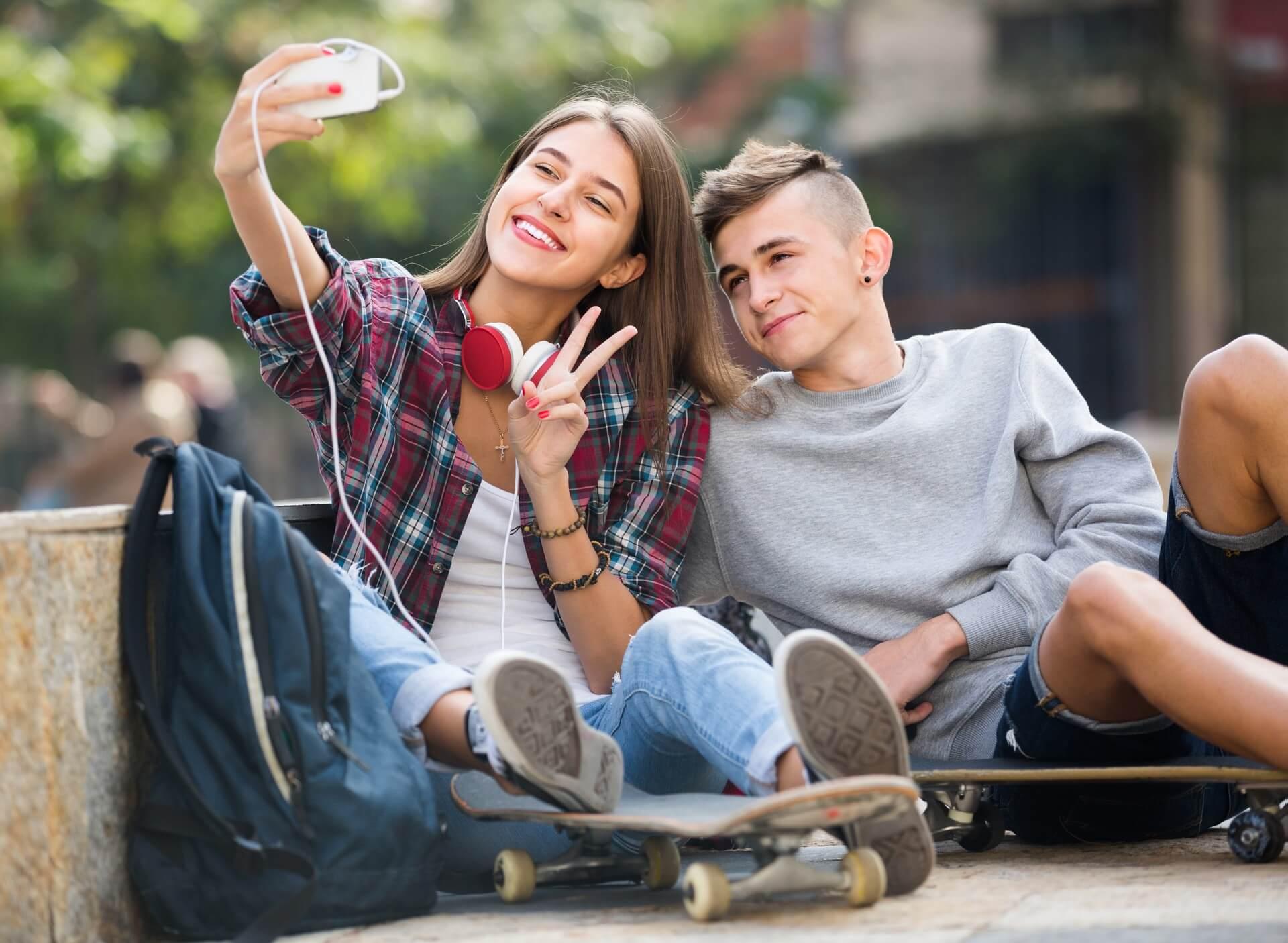 Najstniki so bili prikrajšani za primarno socializacijo